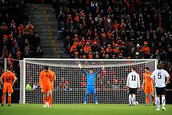 09-02-2011 VOETBAL: NEDERLAND - OOSTENRIJK: EINDHOVEN<br /> Netherlands in a friendly match with Austria won 3-1 / Maarten Stekelenburg NED and the penalty of Marko Arnautovic AUT<br /> ©2011-WWW.FOTOHOOGENDOORN.NL