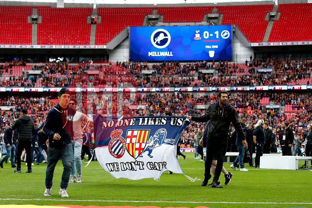 Millwall fans invade the pitch at full time - Mandatory by-line: Matt McNulty/JMP - 20/05/2017 - FOOTBALL - Wembley Stadium - London, England - Bradford City v Millwall - Sky Bet League One Play-off Final