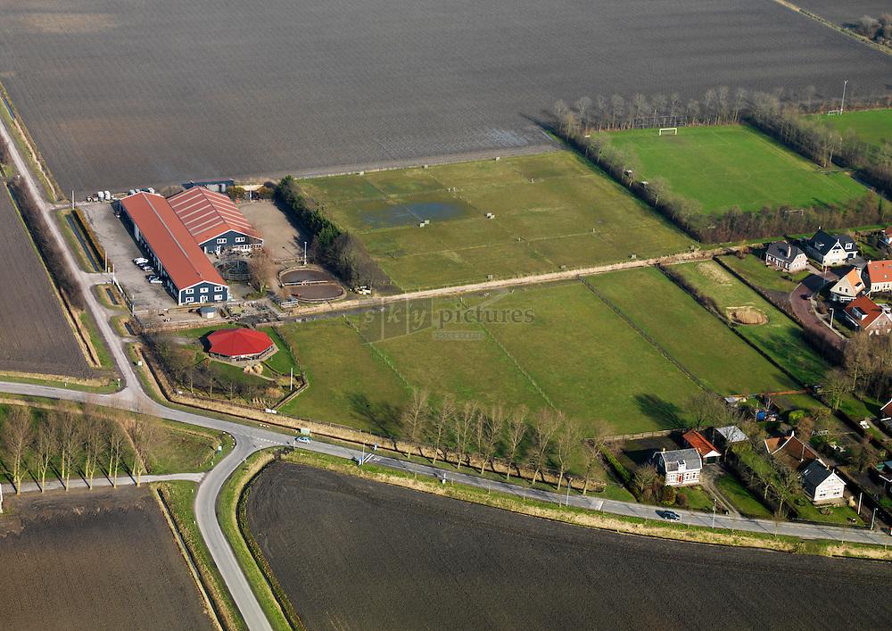 Manege Balans in Dreischor op Schouwen Duiveland met pensionstalling voor paarden en pony's.