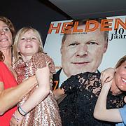NLD/Amsterdam/201905229 - 10-jarig jubileum van Helden, Barbara Barend en partner Alette Bastiaansen en kinderen Sebastiaan Bram, Livia