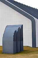Askja, University of Iceland. The building is for Biology, Geology, General physical geology, Glacial geology and more. Architect is Dr. Maggi Jónsson...Askja náttúrufræðahús Háskóla Íslands, hýsir líffræði, jarðfræði, jarðeðlisfræði, landfræði og ferðamálafræði, Jarðeðlisfræðistofu, Jarð- og landfræðistofu, Líffræðistofnun og Norrænu eldfjallastöðina.Arkitekt hússins er Dr. Maggi Jónsson.