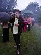 David Kirke, The Web of Hope launch, Windlesham Arboretum. 26 July 2003. © Copyright Photograph by Dafydd Jones 66 Stockwell Park Rd. London SW9 0DA Tel 020 7733 0108 www.dafjones.com