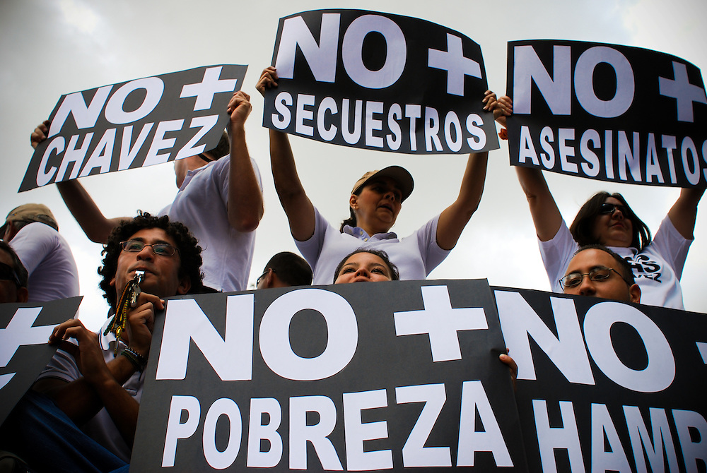"""VENEZUELAN POLITICS / POLITICA EN VENEZUELA<br /> Concentration """"NO MAS CHAVEZ"""" / Concentracion """"NO MAS CHAVEZ""""<br /> Caracas - Venezuela 2009<br /> (Copyright © Aaron Sosa)"""