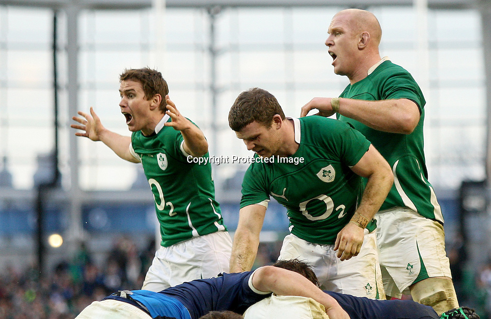 RBS Six Nations Championship, Aviva Stadium, Dublin 13/2/2011<br />Ireland vs France<br />Ireland's Eoin Reddan appeals for a penalty late in the game<br />Mandatory Credit &copy;INPHO/James Crombie <br /> *** Local Caption ***