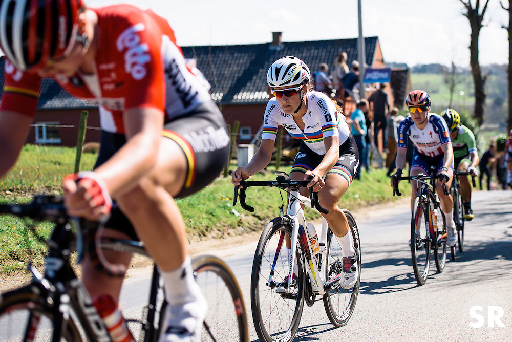Lizzie Armitstead untroubled by the Kanarieberg climb - Women's Ronde van Vlaanderen 2016. A 141km road race starting and finishing in Oudenaarde, Belgium on April 3rd 2016.