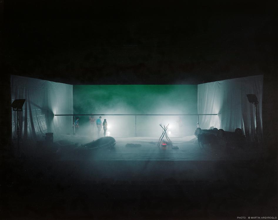 """Big Bang"" / Philippe Quesne / Vivarium Studio. Photo : Martin Argyroglo"