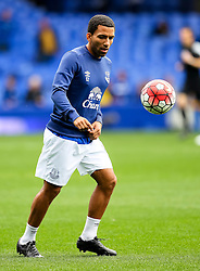 Everton's Aaron Lennon warms up  - Mandatory byline: Matt McNulty/JMP - 07966386802 - 12/09/2015 - FOOTBALL - Goodison Park -Everton,England - Everton v Chelsea - Barclays Premier League