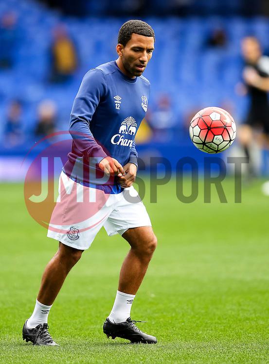 Everton's Aaron Lennon warms up  - Mandatory byline: Matt McNulty/JMP - 07966386802 - 12/09/2015 - FOOTBALL - Goodison Park -Everton,England - Everton v Chelsea - Barclays Premier League