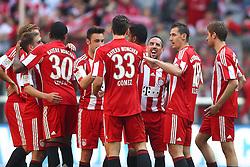 17.04.2011, Allianz Arena, Muenchen, GER, 1.FBL, FC Bayern Muenchen vs Bayer 04 Leverkusen, im Bild  Dei Bayern um Mario Gomez (Bayern #33) und Franck Ribery (Bayern #7) feiern ihren Sieg, EXPA Pictures © 2011, PhotoCredit: EXPA/ nph/  Straubmeier       ****** out of GER / SWE / CRO  / BEL ******