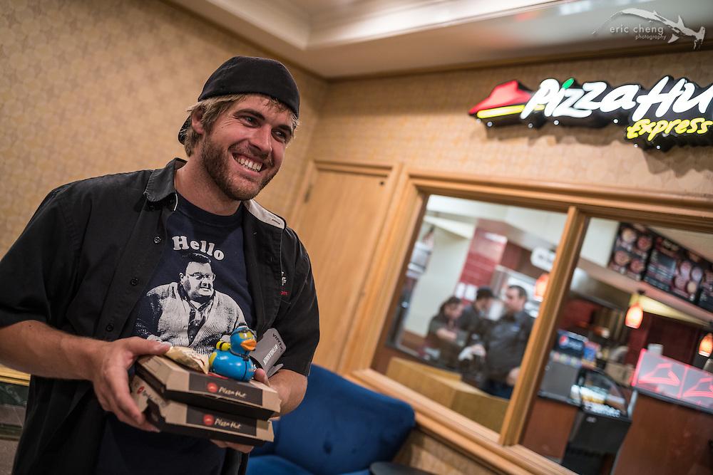 Joe Platko eats stuff (DEMA 2016, Las Vegas)