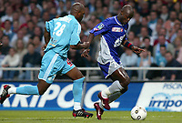 Fotball<br /> Frankrike 2003/04<br /> Toulouse v Olympique Marseille<br /> 15. mai 2004<br /> Foto: Digitalsport<br /> NORWAY ONLY<br /> <br /> ACHILLE EMANA (TOU) / DAVID SOMMEIL (OM)