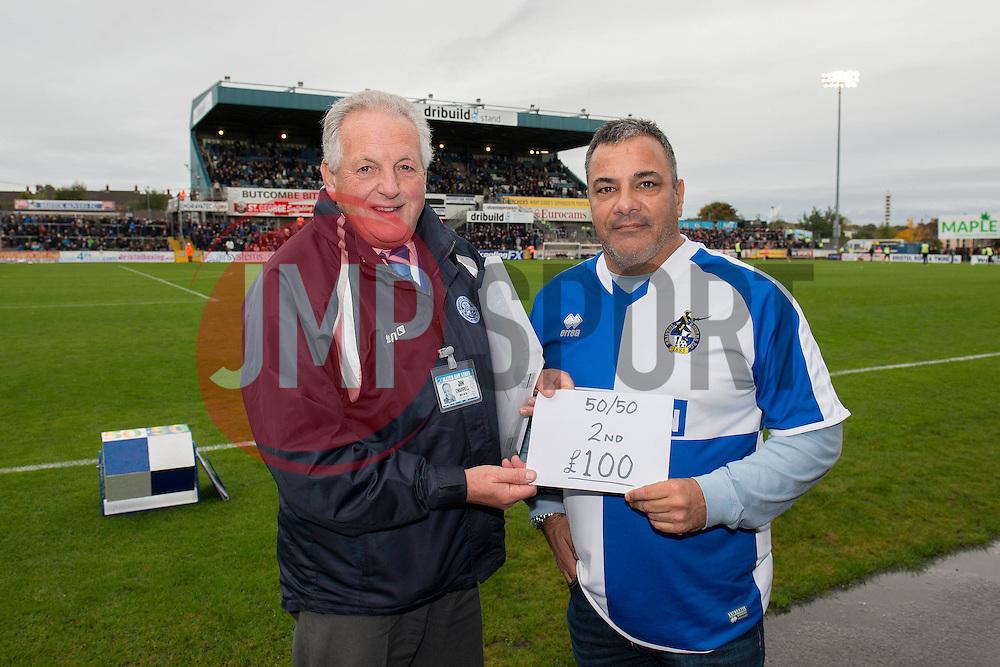 50/50 draw - Mandatory byline: Dougie Allward/JMP - 07966 386802 - 24/10/2015 - FOOTBALL - Memorial Stadium - Bristol, England - Bristol Rovers v Newport County AFC - Sky Bet League Two