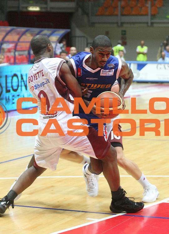 DESCRIZIONE : Livorno Legadue 2007-08 Tdshop.it Livorno Fastweb Casale Monferrato<br /> GIOCATORE : Dean Taquan<br /> SQUADRA : Fastweb Casale Monferrato<br /> EVENTO : Campionato Legadue 2007-2008<br /> GARA : Tdshop.it Livorno Fastweb Casale Monferrato<br /> DATA : 07/10/2007<br /> CATEGORIA : Penetrazione<br /> SPORT : Pallacanestro<br /> AUTORE : Agenzia Ciamillo-Castoria/Stefano D'Errico