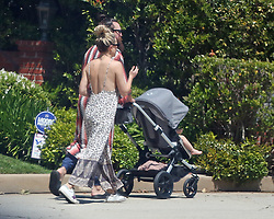 Kate Hudson and her husband head out on a walk with their kids and Kate's mother Goldie Hawn. 11 Apr 2020 Pictured: Kate Hudson. Photo credit: P&P / MEGA TheMegaAgency.com +1 888 505 6342