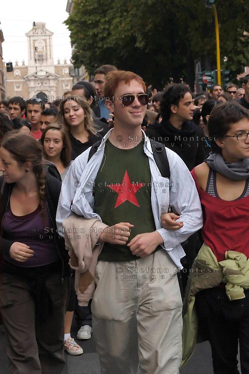 Roma 16 Ottobre 2008.Manifestazione degli studenti universitari contro la riforma Gelmini.Rome 16 October 2008 .Demonstration against the reform Gelmini of university students