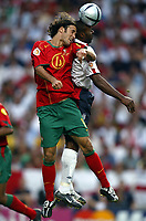 Fotball<br /> Euro 2004<br /> Portugal<br /> 24. juni 2004<br /> Foto: Dppi/Digitalsport<br /> NORWAY ONLY<br /> Kvartfinale<br /> Portugal v England<br /> RICARDO CARVALHO (POR) / DARIUS VASSELL (ENG)