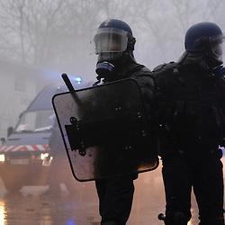 Centre National d'Entraînement des Forces de Gendarmerie (CNEFG) à Saint Astier. Formation continue des escadrons de Gendarmerie Mobile.Saint Astier impose des conditions d'engagement  très dures aux escadrons qui y séjournent, pour préparer les mobiles à maintenir l'ordre dans un large eventail de situations allant des manifestations aux violences urbaines en passant par les crises outre