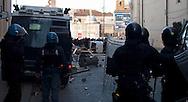 Roma 14 Dicembre 2010.Manifestazione contro il Governo Berlusconi. La polizia fronteggia i manifestanti alla fine di via del Corso verso piazza del Popolo.