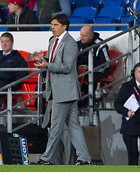 16.11.2013, Cardiff City Stadium, Cardiff, WAL, Fussball Testspiel, Wales vs Finnland, im Bild Wales' manager Chris Coleman applauds on the touchline // during the international friendly match between Wales and Finland at the Cardiff City Stadium in Cardiff, Great Britain on 2013/11/17. EXPA Pictures © 2013, PhotoCredit: EXPA/ Propagandaphoto/ Kieran McManus<br /> <br /> *****ATTENTION - OUT of ENG, GBR*****