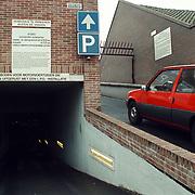 Parkeergarage Huizen beide uitgangen