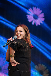 © Licensed to London News Pictures . 08/08/2015 . Siddington , UK . BELINDA CARLISLE on stage at The Rewind Festival of 1980s music , fashion culture at Capesthorne Hall in Macclesfield . Photo credit: Joel Goodman/LNP
