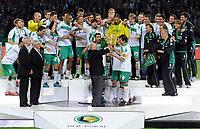 v.l. Uwe Seeler ueberreicht den Pokal Frank Baumann Bremen, Werder Pokalsieger 2009<br /> DFB-Pokal Finale Bayer 04 Leverkusen - Werder Bremen 0:1<br /> <br /> Norway only