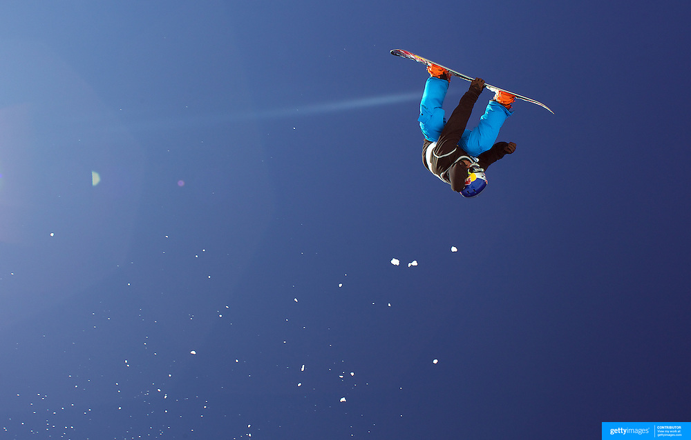 Dimi de Jong, The Netherlands, in action during the Snowboard Slopestyle Men's competition at Snow Park, New Zealand during the Winter Games. Wanaka, New Zealand, 21st August 2011. Photo Tim Clayton