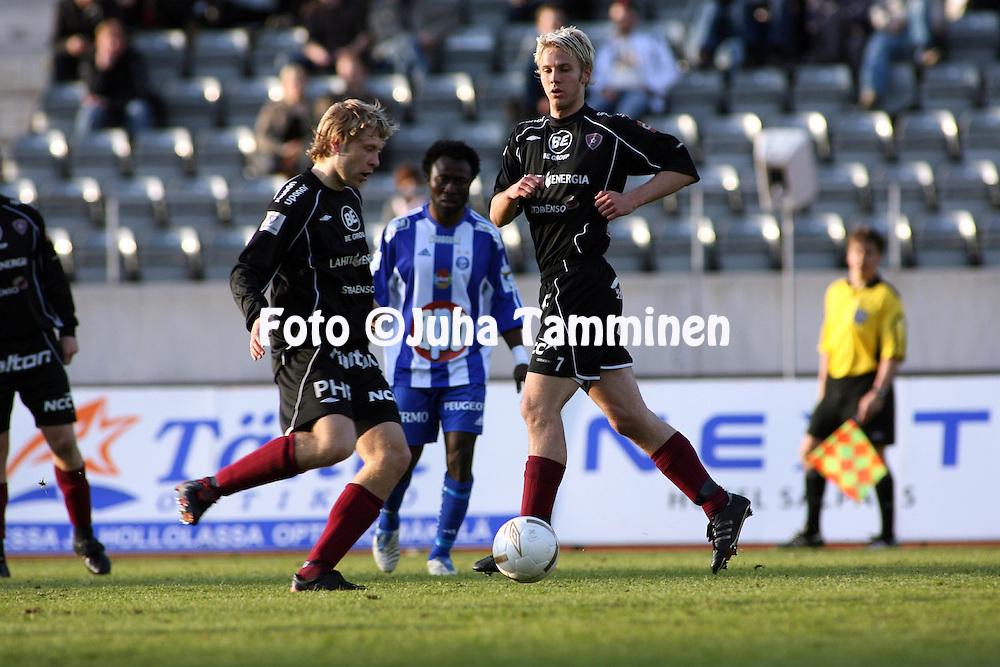 11.05.2007, Urheilukeskus, Lahti, Finland..Veikkausliiga 2007 - Finnish League 2007.FC Lahti - HJK Helsinki.Pyry K?rkk?inen & Janne Moilanen - FC Lahti.©Juha Tamminen.....ARK:k