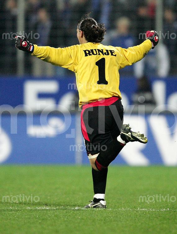 Fussball Intertnational UEAFA Cup Saison 2004/2005    Torwart Vedran RUNJE Standard LUETTICH