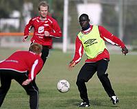 Fotball<br /> La Manga<br /> 10.03.2004<br /> Trening Brann<br /> Foto: Morten Olsen, Digitalsport<br /> <br /> Seyi Ulofinjana