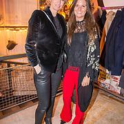 NLD/Amsterdam/20180320 - Presentatie 6de AmsterdamXXXL, Anouk Smulders en vriendin styliste Manon de Boer