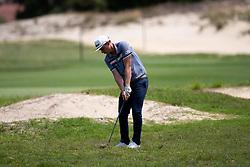 November 15, 2018 - Sydney, NSW, U.S. - SYDNEY, AUSTRALIA - NOVEMBER 15: Cameron Smith (AUS) hits out of the ruff at Day 1 of The Emirates Australian Open Golf on November 15, 2019, at The Lakes Golf Club in Sydney, Australia. (Photo by Speed Media/Icon Sportswire) (Credit Image: © Speed Media/Icon SMI via ZUMA Press)