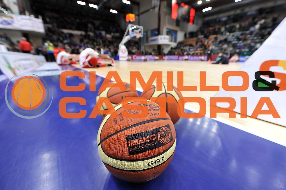 DESCRIZIONE : Campionato 2014/15 Dinamo Banco di Sardegna Sassari - Olimpia EA7 Emporio Armani Milano<br /> GIOCATORE : Pallone Molten Lega Basket Beko<br /> CATEGORIA : Panoramica<br /> SQUADRA : Olimpia EA7 Emporio Armani Milano<br /> EVENTO : LegaBasket Serie A Beko 2014/2015<br /> GARA : Dinamo Banco di Sardegna Sassari - Olimpia EA7 Emporio Armani Milano<br /> DATA : 07/12/2014<br /> SPORT : Pallacanestro <br /> AUTORE : Agenzia Ciamillo-Castoria / Luigi Canu<br /> Galleria : LegaBasket Serie A Beko 2014/2015<br /> Fotonotizia : Campionato 2014/15 Dinamo Banco di Sardegna Sassari - Olimpia EA7 Emporio Armani Milano<br /> Predefinita :