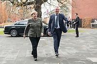 14 NOV 2018, POTSDAM/GERMANY:<br /> Angela Merkel (L), CDU, Bundeskanzlerin, und Prof. Christoph Meinel (R), Leiter des HPI, auf dem Weg zu einer Praesentation des HPI im Rahmen der Klausurtagung des Bundeskabinetts, Hasso Plattner Institut (HPI, Potsdam-Babelsberg<br /> IMAGE: 20181114-01-032<br /> KEYWORDS; Kabinett, Klausur, Tagung