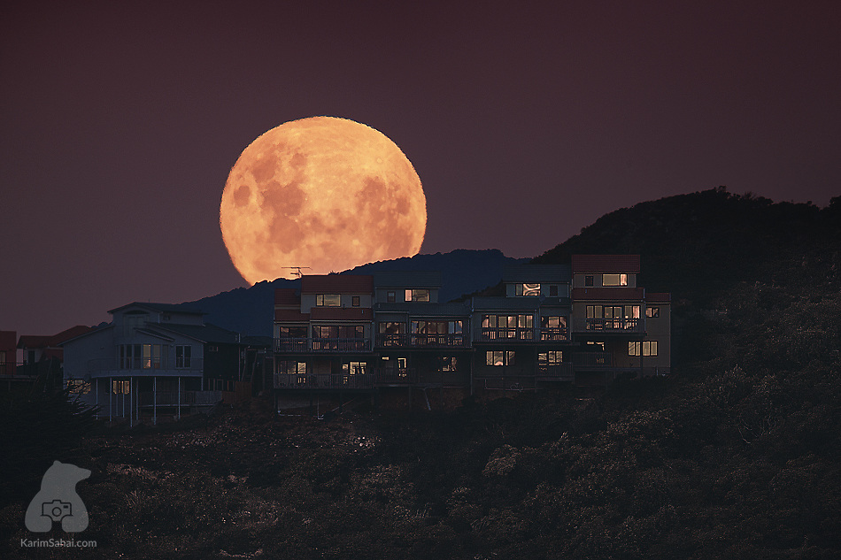 Full moon rising over Beacon Hill, Wellington, New Zealand