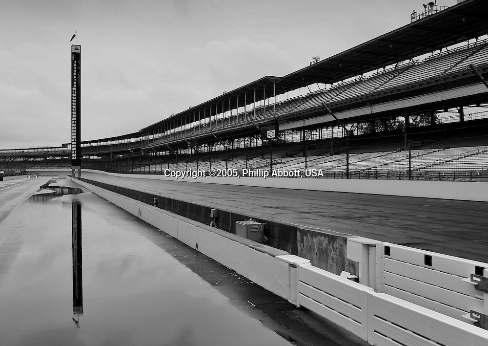 14 May, 2005, Indianapolis Motor Speedway, USA<br /> Rain cancels the first day of qualifying.<br /> &copy; 2005 Phillip Abbott/USA<br /> LAT Photographic