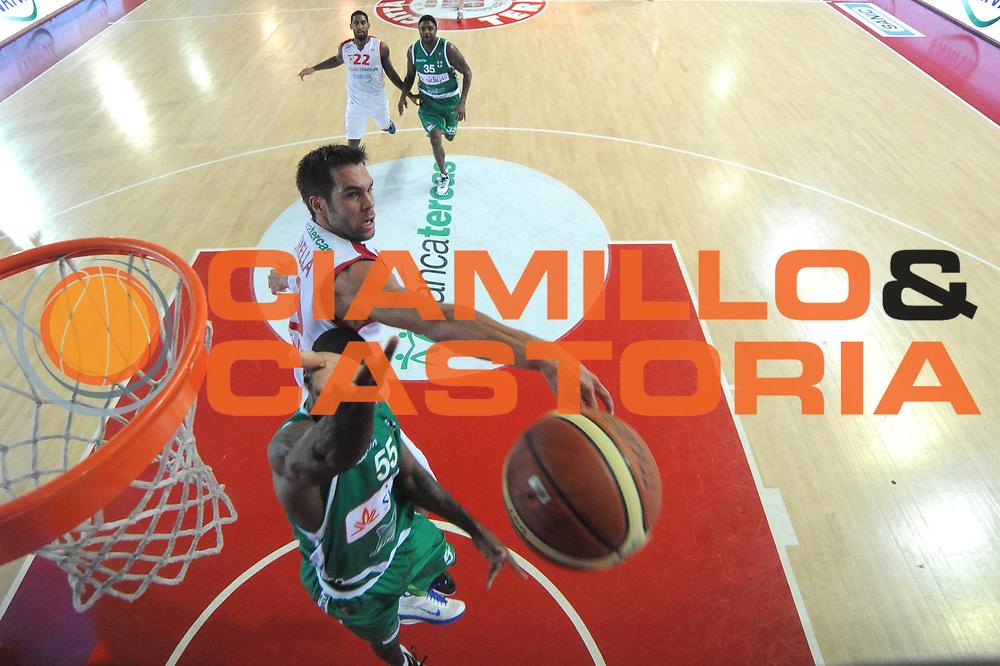 DESCRIZIONE : Teramo Lega A 2011-12 Bancatercas Teramo Sidigas Avellino<br /> GIOCATORE : Bruno Cerella<br /> CATEGORIA : stoppata special<br /> SQUADRA : Bancatercas Teramo<br /> EVENTO : Campionato Lega A 2011-2012<br /> GARA : Bancatercas Teramo Sidigas Avellino<br /> DATA : 30/10/2011<br /> SPORT : Pallacanestro<br /> AUTORE : Agenzia Ciamillo-Castoria/C.De Massis<br /> Galleria : Lega Basket A 2011-2012<br /> Fotonotizia : Teramo Lega A 2011-12 Bancatercas Teramo Sidigas Avellino<br /> Predefinita :