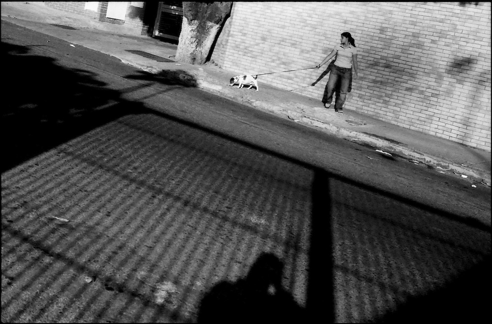 SELF PORTRAITS / AUTORRETRATOS.Photography by Aaron Sosa.Caracas - Venezuela 2008.(Copyright © Aaron Sosa)
