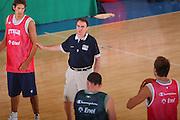 DESCRIZIONE : Bormio Raduno Collegiale Nazionale Maschile Allenamento <br /> GIOCATORE : Carlo Recalcati <br /> SQUADRA : Nazionale Italia Uomini <br /> EVENTO : Raduno Collegiale Nazionale Maschile <br /> GARA : <br /> DATA : 20/07/2008 <br /> CATEGORIA : Ritratto <br /> SPORT : Pallacanestro <br /> AUTORE : Agenzia Ciamillo-Castoria/S.Silvestri <br /> Galleria : Fip Nazionali 2008 <br /> Fotonotizia : Bormio Raduno Collegiale Nazionale Maschile Allenamento <br /> Predefinita :