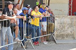 July 6, 2018 - SãO Paulo, Brazil - SÃO PAULO, SP - 06.07.2018: TORCIDA DO BRASIL NO VALE DO ANHANGABAÚ SP - Fans of the Brazilian national team start arriving in the Anhangabaú Valley, to follow the match between Brazil and Belgium on Friday (6) (Credit Image: © Roberto Casimiro/Fotoarena via ZUMA Press)