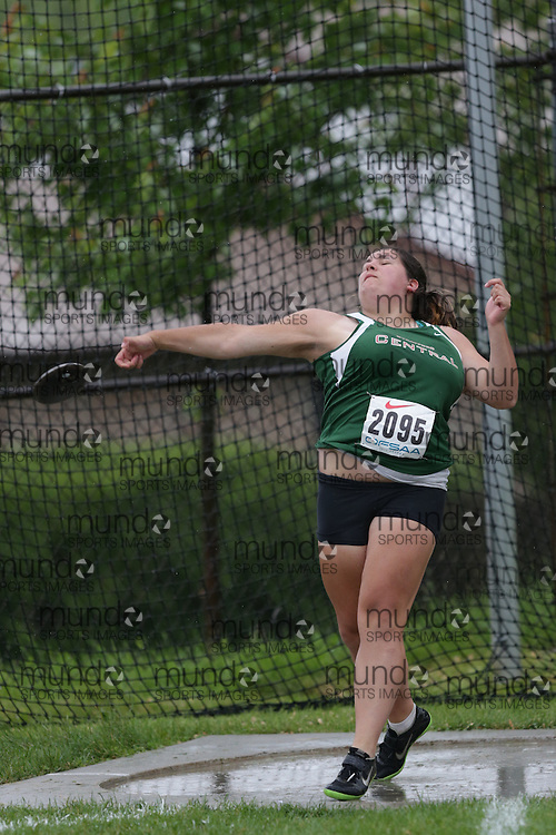 Brindley Jantzi of Stratford Central SS-Stratford competes in the senior girls discus at the 2013 OFSAA Track and Field Championship in Oshawa Ontario, Thursday,  June 6, 2013.<br /> Mundo Sport Images / Sean Burges