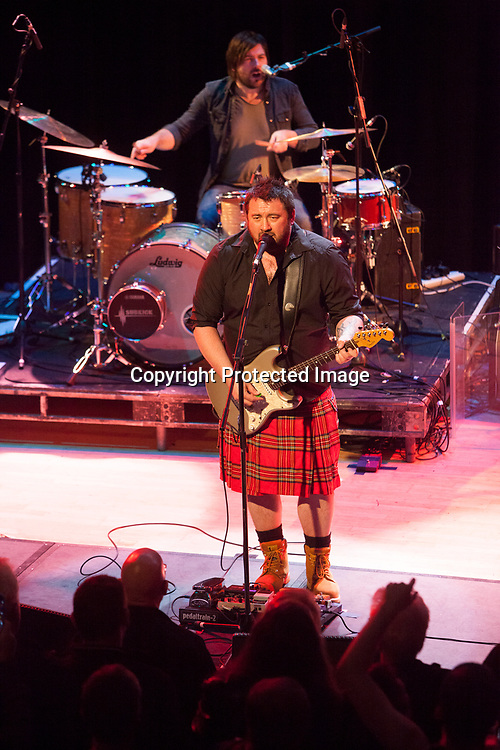 Edinburgh, UK. 25th November 2016. King King performs on stage at the Edinburgh Queen's Hall. Pako Mera