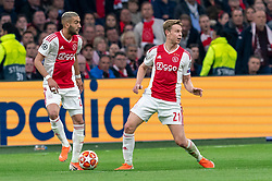 08-05-2019 NED: Semi Final Champions League AFC Ajax - Tottenham Hotspur, Amsterdam<br /> After a dramatic ending, Ajax has not been able to reach the final of the Champions League. In the final second Tottenham Hotspur scored 3-2 / Hakim Ziyech #22 of Ajax, Frenkie de Jong #21 of Ajax
