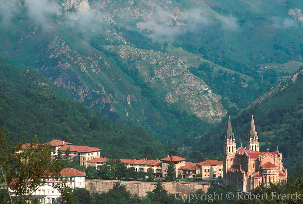 SPAIN, NORTH, ASTURIAS Covadonga Basilica, Pelayo shrine