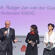 NLD/ALeiden/20160307 - Koningin Maxima bij bijeenkomst van Women Inc., Daphne Bunskoek met Jacobine Geel en Prof. dr. Rutger Jan van der Graag