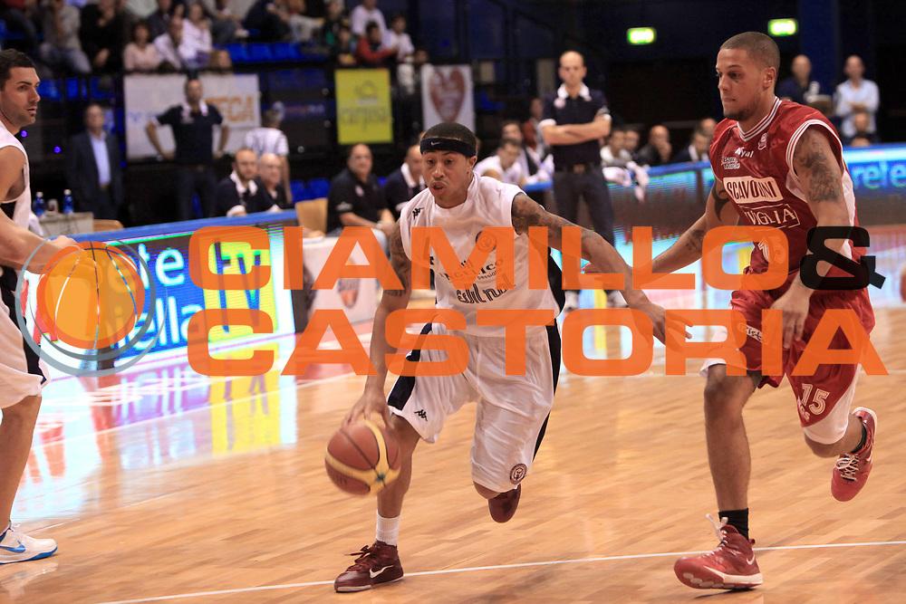 DESCRIZIONE : Biella II Torneo Giuseppe Angelico Lega A 2010-11 Angelico Biella Scavolini Siviglia Pesaro<br /> GIOCATORE : A.J. Slaughter <br /> SQUADRA : Angelico Biella<br /> EVENTO : Campionato Lega A 2010-2011 <br /> GARA : Angelico Biella Scavolini Siviglia Pesaro<br /> DATA : 25/09/2010<br /> CATEGORIA : palleggio<br /> SPORT : Pallacanestro <br /> AUTORE : Agenzia Ciamillo-Castoria/C.De Massis<br /> Galleria : Lega Basket A 2010-2011 <br /> Fotonotizia : Biella II Torneo Giuseppe Angelico Lega A 2010-11 Angelico Biella Scavolini Siviglia Pesaro<br /> Predefinita :