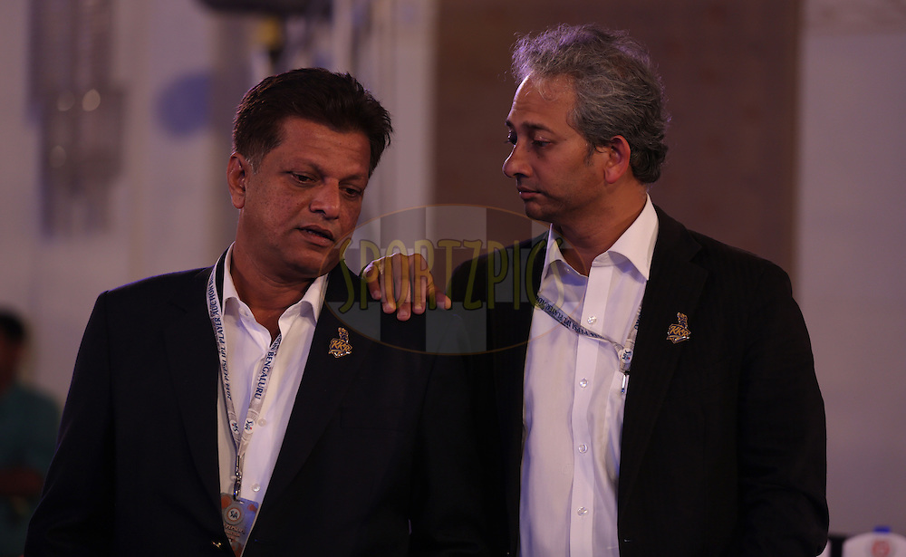 Jeet Banerjee of Kolkata knight Riders with a team member during the Pepsi IPL Player Auction held at the ITC Gardenia in Bengaluru, India on the 13th February 2014<br /> <br /> Photo by Sandeep Shetty/BCCI/SPORTZPICS