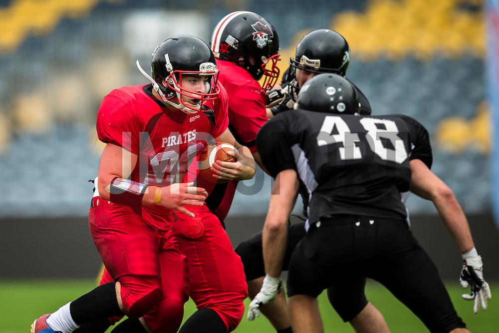 East Kilbride Pirates running back - Mandatory by-line: Jason Brown/JMP - 27/08/2016 - AMERICAN FOOTBALL - Sixways Stadium - Worcester, England - Kent Exiles v East Kilbride Pirates - BAFA Britbowl Finals Day