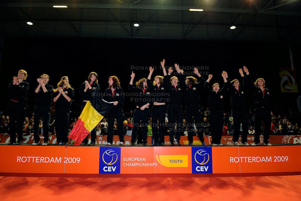 09-04-2009 VOLLEYBAL: EK JEUGD PRIJSUITREIKING: ROTTERDAM <br /> De Belgische meisjes pakken de gouden medaille<br /> &copy;2009-WWW.FOTOHOOGENDOORN.NL
