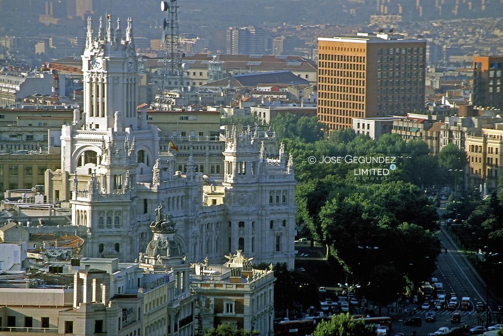 MADRID DESDE LA TORRE DE COLON. VISTA DEL EDIFICIO DE CORREOS Y TELEGRAFOS DE LA PLAZA DE LA CIBELES